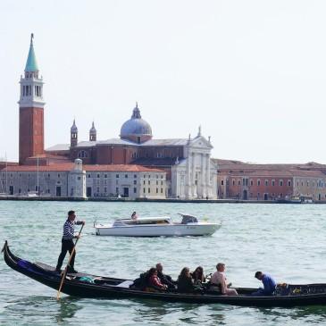 Venice gondola taxi