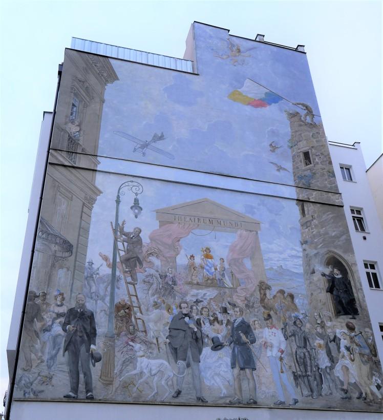 Theatrum Mundi mural in Pilsen