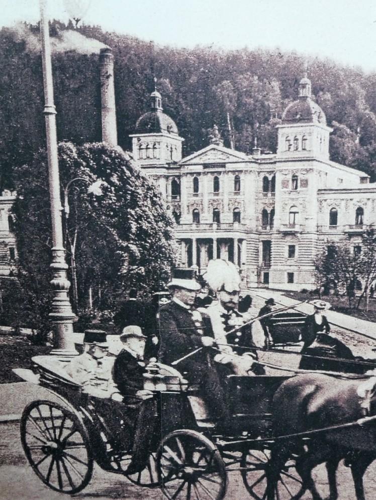 Edward VII riding past Nové Lázně